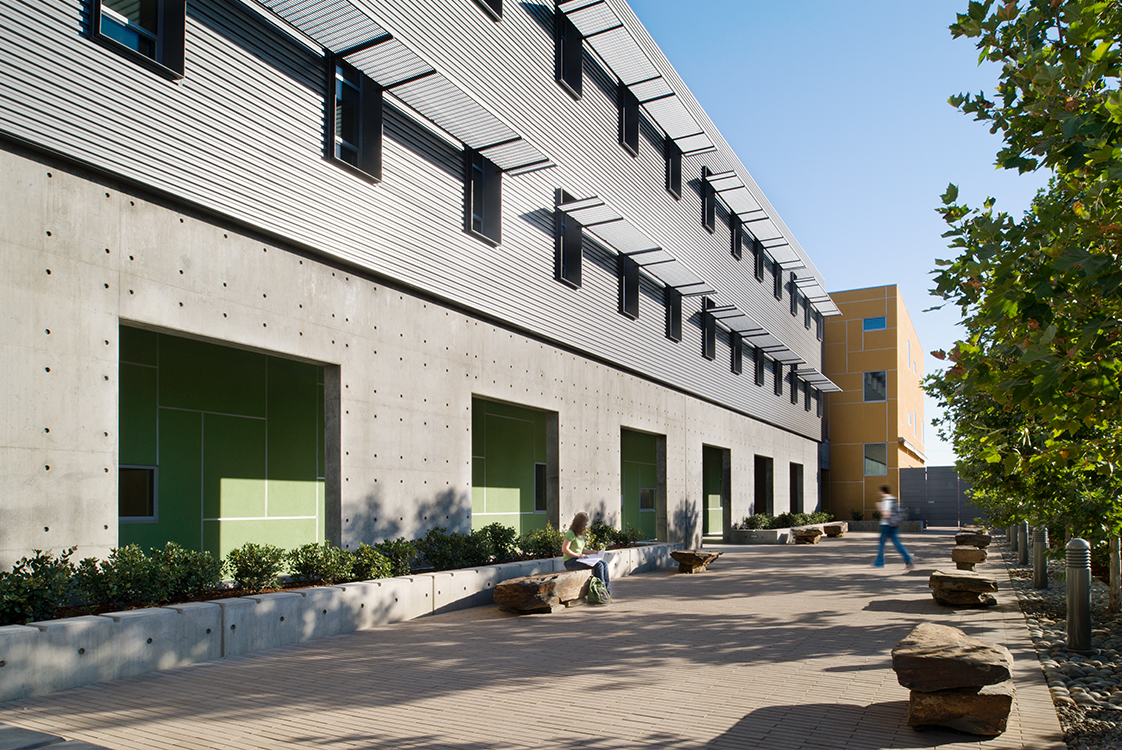 UC Merced Social Sciences and Management Exterior Detailing
