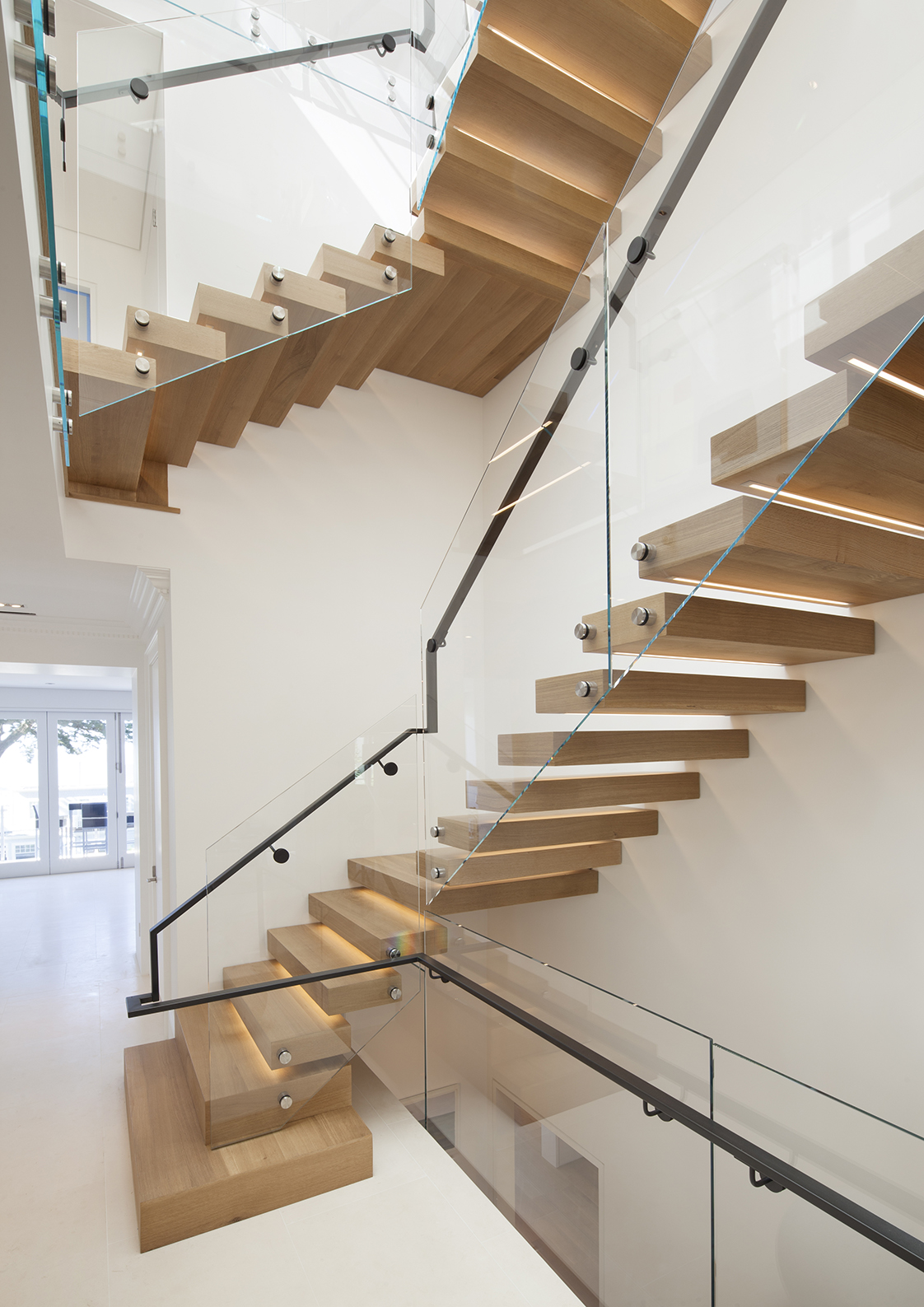 Vallejo Street Residence cantilevered stair