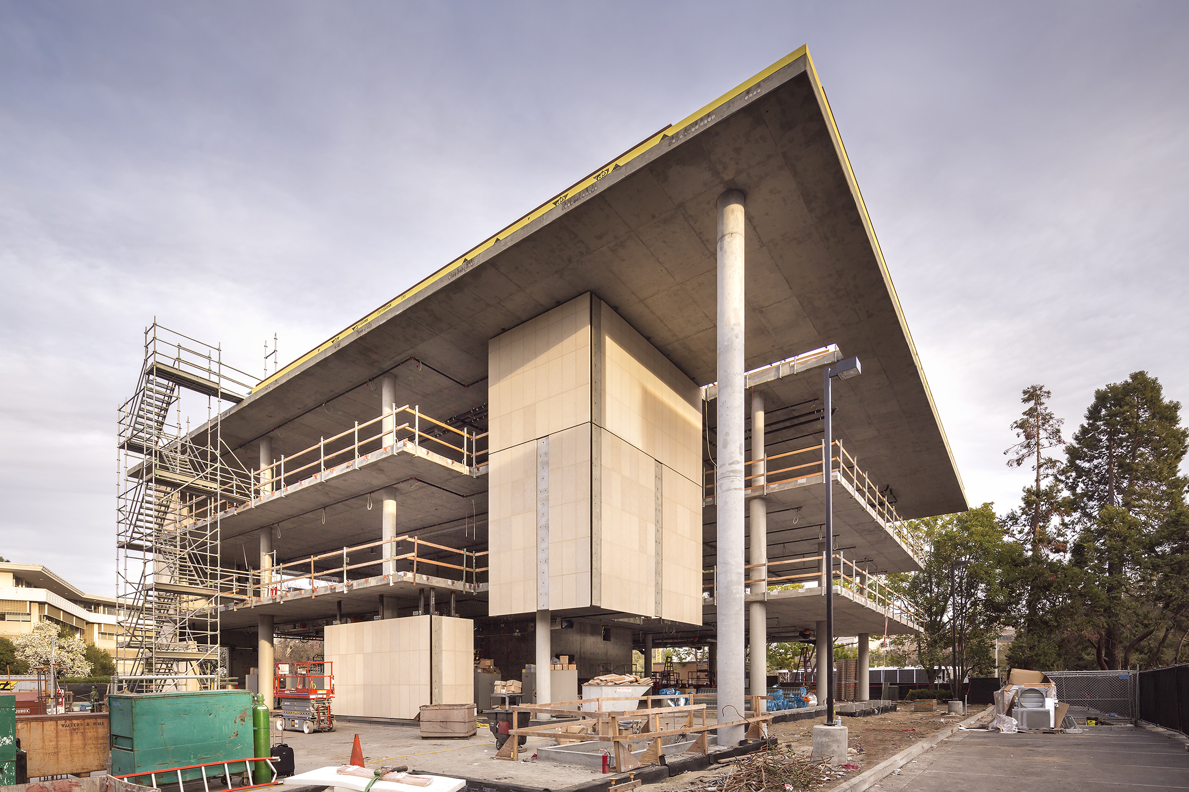 Stanford School of Medicine C.J. Huang Building Under Construction with Concrete Cantilever at Angle